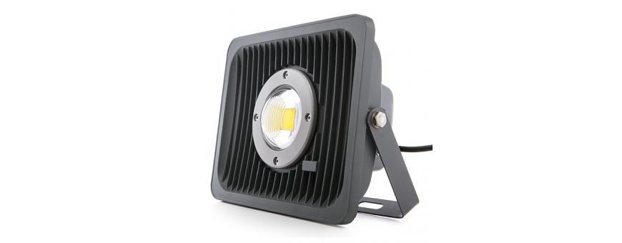 Focos Proyectores LED Exterior Angulo Apertura Reducida